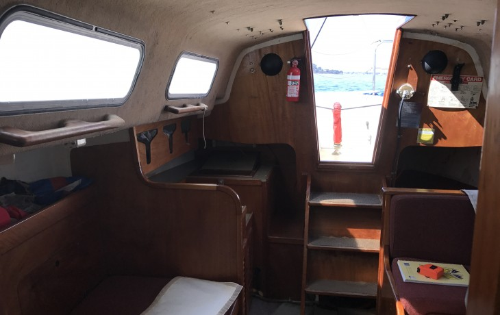 Saloon before refit Spacesailor 27