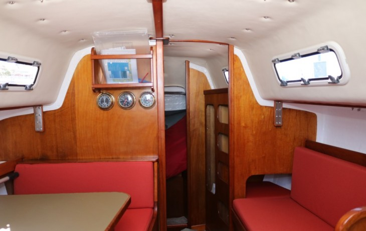 Saloon after refit Spacesailor 27.